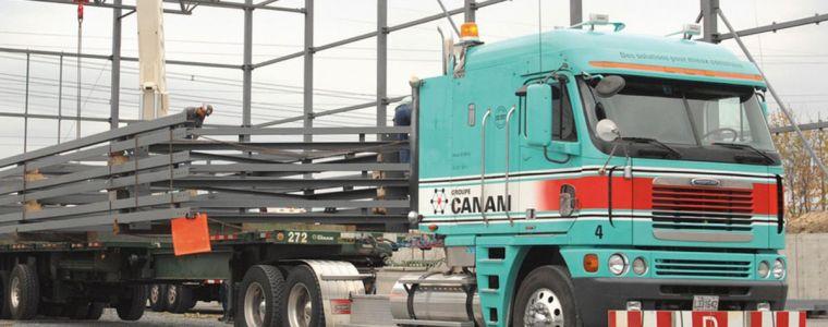 Camion de transport de Groupe Canam