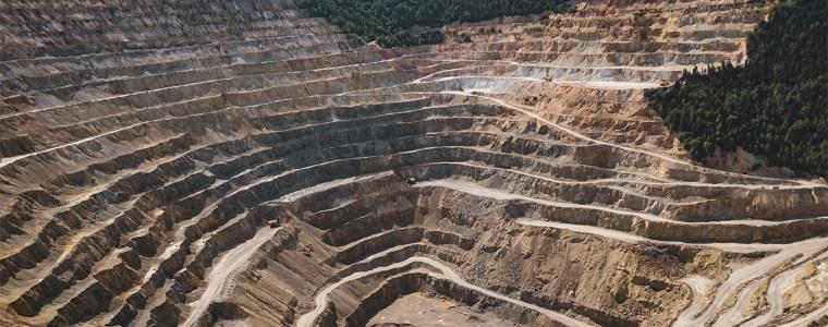 Mine dans une montagne