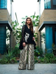 Luxury Eid Dresses Collection 2018 by Zainab Chottani (1)