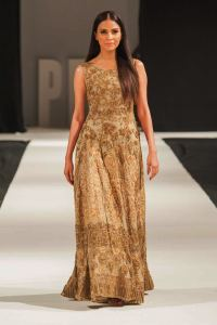Mohabat Nama Collection at PFW London 2018 By HSY (13)