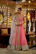 Actress Ayesha Omar's Pictures in Morning Show of Nida Yasir (5)