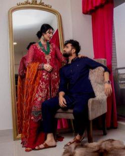 Singer Falak Shabir Romantic Pictures With Sarah Khan (5)
