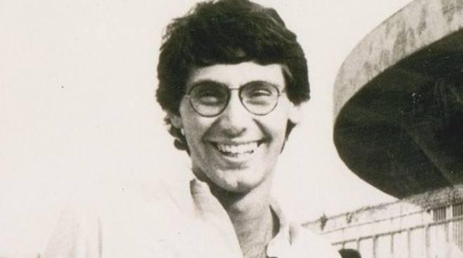 """Vico Equense - Piazza intitolata a Giancarlo Siani giornalista, cronista de """"Il Mattino"""" ucciso dalla camorra 33 anni fa"""