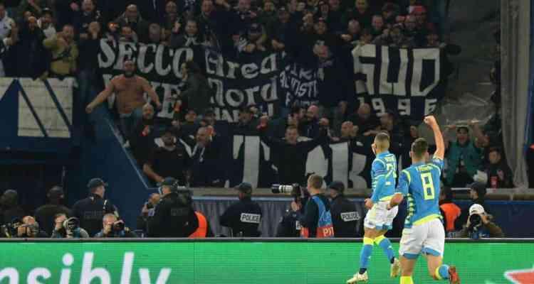 PSG-Napoli è stata una partita bellissima e nei tifosi partenopei c'è il rammarico di un'impresa sfiorata. Ecco le foto
