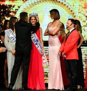 Bellissima e giovanissima (15 anni), Rosa Sorrentino, stabiese, è la vincitrice del concorso Miss Principessa d'Europa 2018.