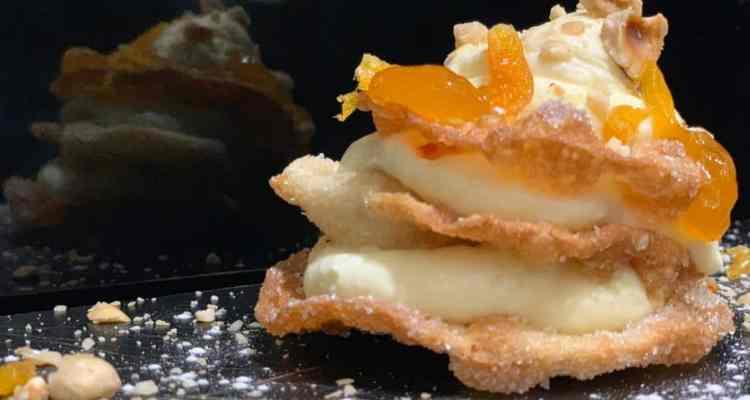 Isabella De Cham inventa la Millefritta, contaminazione culinaria tra la millefoglie e la pastiera, uno diei più classici dolci napoletani