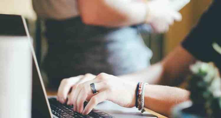 Non essere sul web oggi è come non esistere. Il web marketing è fondamentale nelle strategie di un'impresa che vuole raggiungere il successo