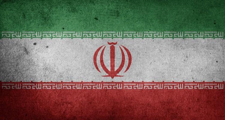 Sale le tensione nel Golfo Persico tra USA e Iran a seguito dell'escalation di dichiarazioni e azioni degli ultimi giorni.