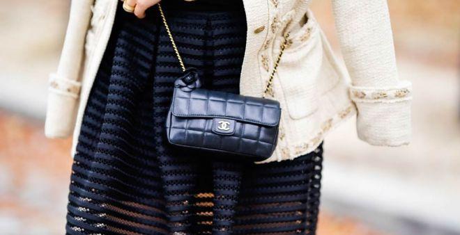 La borsa a tracolla da donna è un accessorio molto importante, sia casual o elegante. Ma esiste la borsetta perfetta? Ecco alcuni consigli