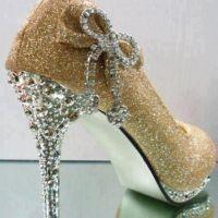 Beautifull Pencil Heel Shoes For Girls Looking Design 2020-21