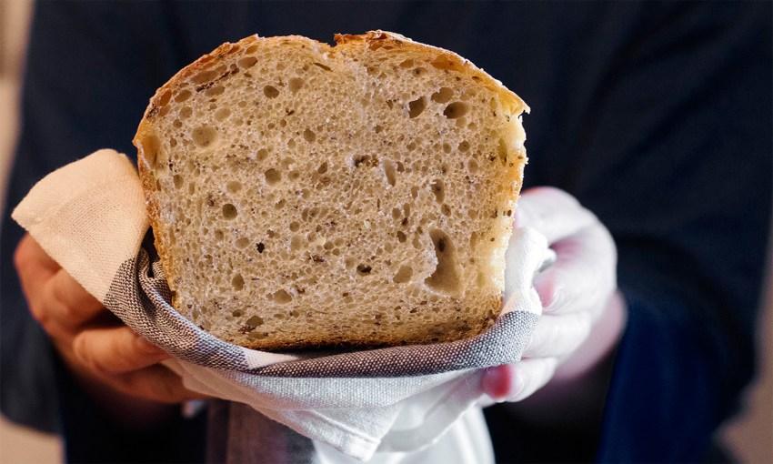 pâine cu maia și semințe