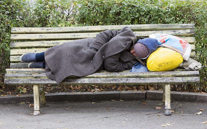 Pomóżmy bezdomnym, starszym i niepełnosprawnym w okresie zimy