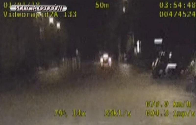 Policyjny pościg za pijanym kierowcą zakończony w Chobieni -Film