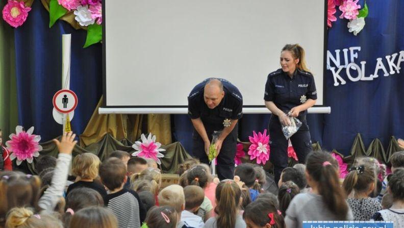 Lubińscy policjanci wspólnie z dziećmi obchodzili dni bezpieczeństwa