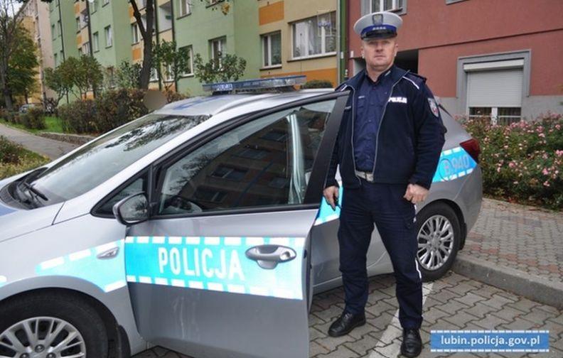 Lubin. Podziękowania dla policjanta z Lubina za pomoc udzielonej uczestniczce biegu