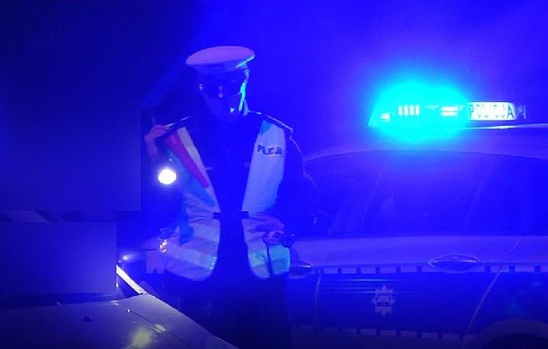 17 – latek nie zatrzymał się do kontroli drogowej i próbował potrącić policjanta
