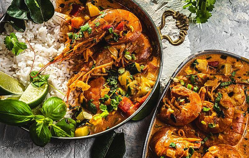 Curry z krewetkami i ryżem jaśminowym