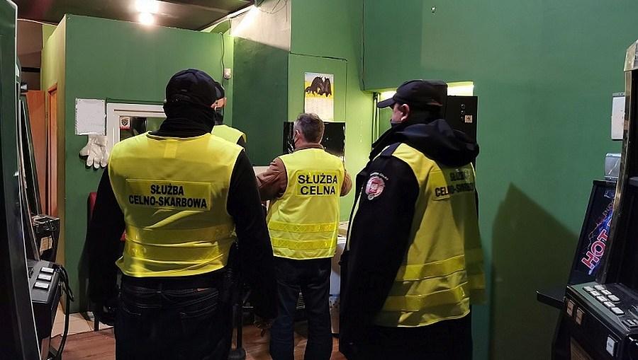 Dolnośląska KAS zlikwidowała 75 nielegalnych automatów do gier hazardowych
