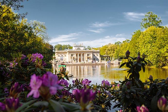 Najpiękniejsze ogrody pałacowe w Polsce - Łazienki Królewskie