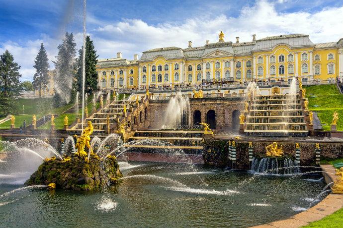 Najpiękniejsze pałace w Europie - Wielki Pałac w Peterhofie