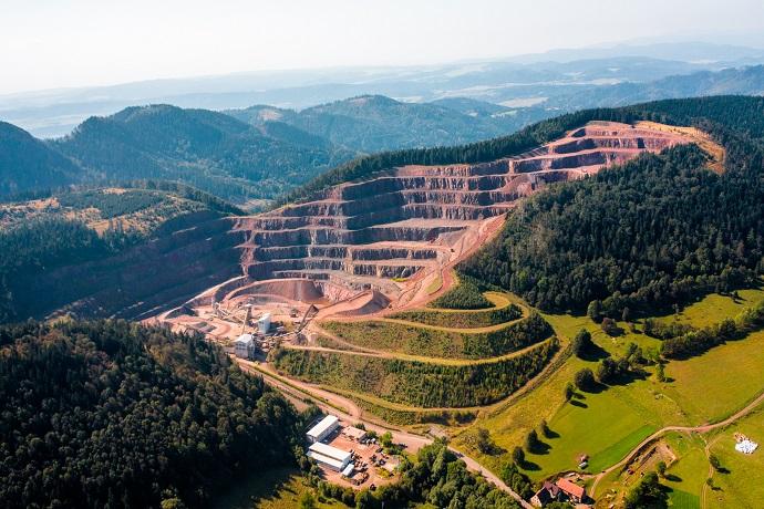 Poznaj Polskę z Travelist: Góry Sowie - kopalnia melafiru w Rybnicy Leśnej