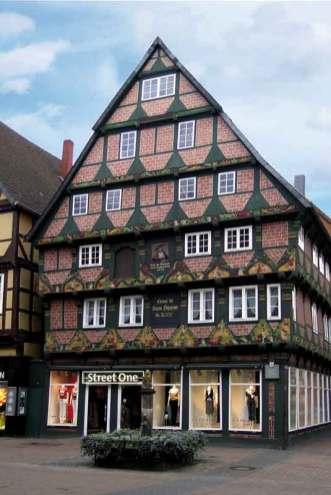 Hoppenerhaus przyciąga uwagę bogatą dekoracją