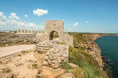 Przylądek Kaliakra z ruinami starożytnej fortecy Tirisis