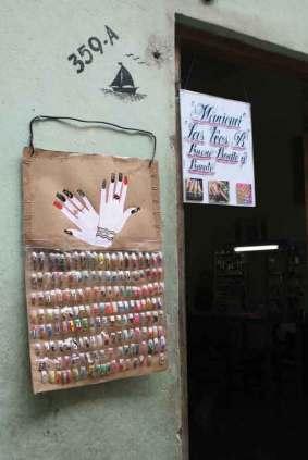 W Hawanie nietrudno znaleźć miejsce, w którym można zrobić manicure.