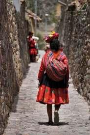 Peru-pani-sciany