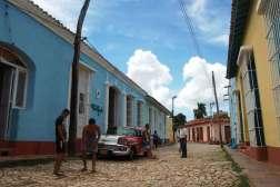 Trynidad, najbardziej kolorowe miasteczko na wyspie. Każdy budynek ma inną barwę