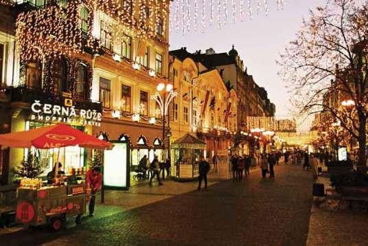 Praga w świątecznej scenerii