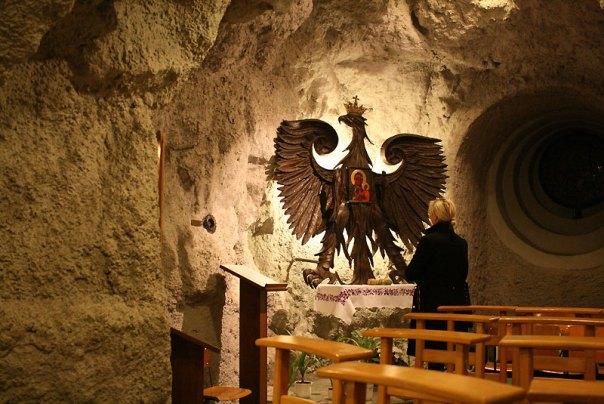Kościół pod opieką paulinów, w skalnej grocie w skłonie Wzgórza Gellérta, fot. Paweł Wroński
