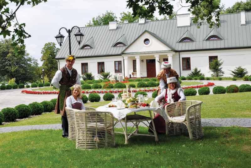 biesiada-w-Dworze-Mościbrody