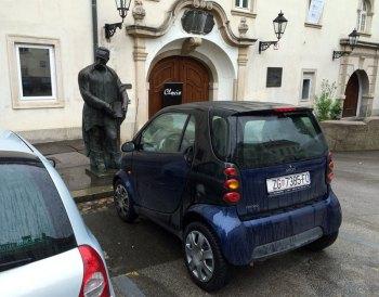 Rynek w Zagrzebiu. Smart ForTwo - mniejszy kuzyn naszego smarta ForFour, fot. Paweł Wroński