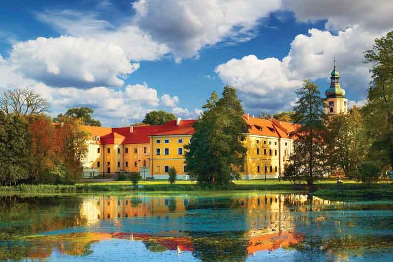 Pocysterski-Zespół-Klasztorno-Pałacowy-w-Rudach-fot.-www.slaskie.travel-Tomasz-Gębuś