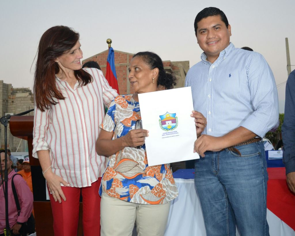 Gobernación del Magdalena ha favorecido con titulación de predios a 627 hogares del barrio Santana en Santa Marta