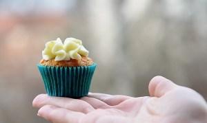 Für den süßen Zahn, kombiniere am besten Obst mit ein paar anderen süßen Kleinigkeiten.