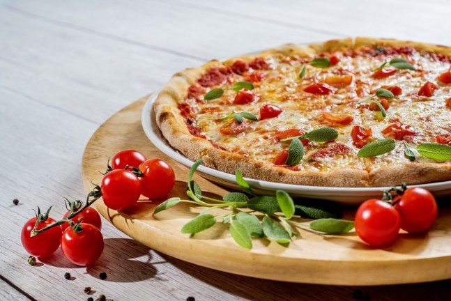 Losing Weight does not mean you can't have Pizza anymore.