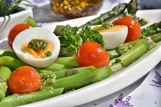 When you are fully used to this and hopefully start to enjoy the bright colours on your plate, you can increase the portion size for vegetables