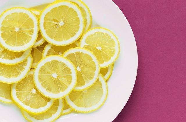 Süß ist sicher, während saurer Geschmack ein Alarmzeichen sein kann.