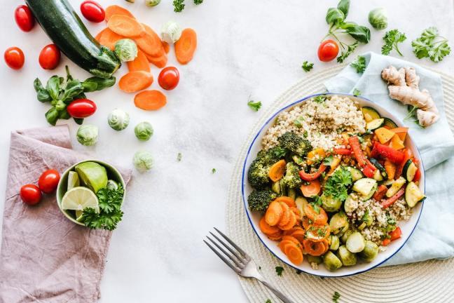 Essen liefert die Bausteine für alle Prozesse und Zellen in unserem Körper.
