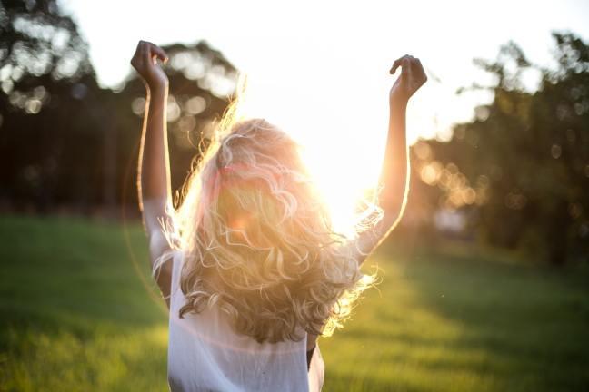 Sonnenlicht zu tanken ist wunderbar für Immunsystem, Gesundheit und Stimmung.