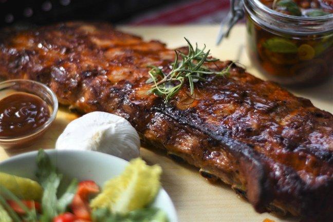 Das Bräunen von Fleisch erhöht das Krebsrisiko.