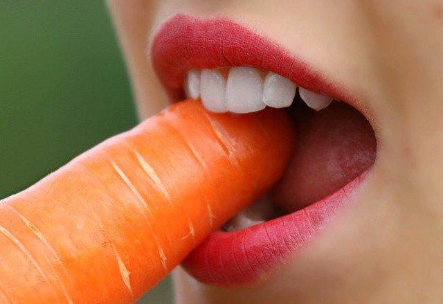 5 Portionen Gemüse und Obst am Tag sind eine gute gesunde Gewohnheit.