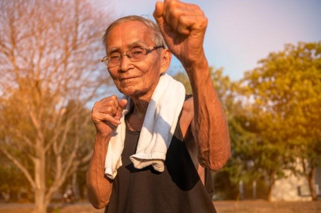 Das was wir uns eigentlich wirklich wünschen ist, gesund alt zu werden und so lange wie möglich aktiv körperlich und geistig am Leben teilhaben zu können. Das nennt man Gesundheitsspanne.