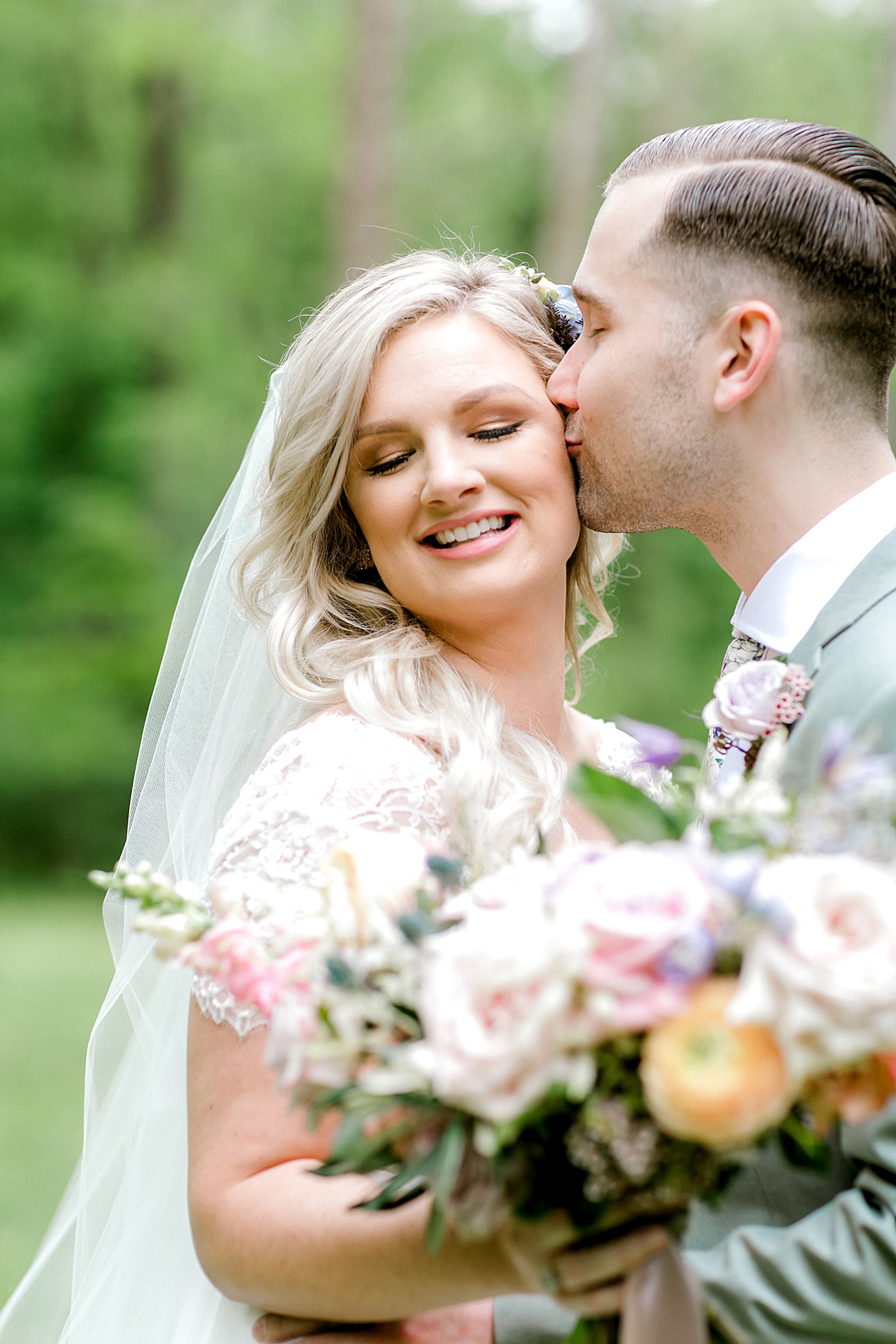 Intimate and Sweet Estate Wedding Photography by Magdalena Studios 0022