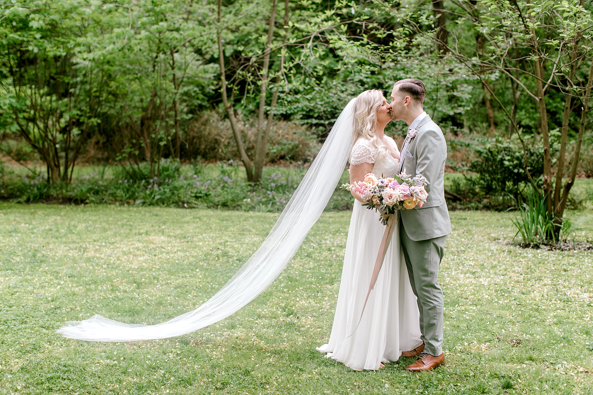 Intimate and Sweet Estate Wedding Photography by Magdalena Studios 0047
