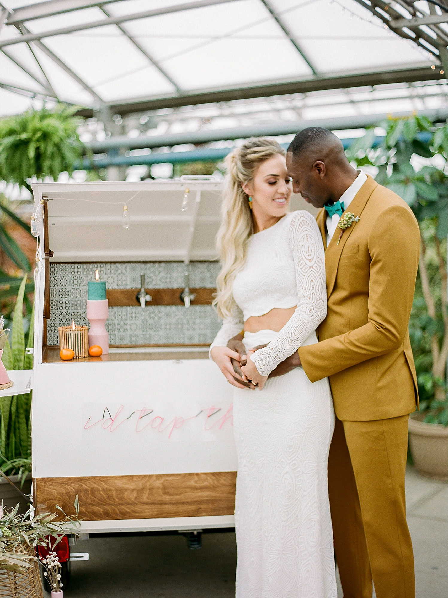 Colorful and Vibrant Wedding Photography at Fairmount Horticultural Center by Magdalena Studios 0013