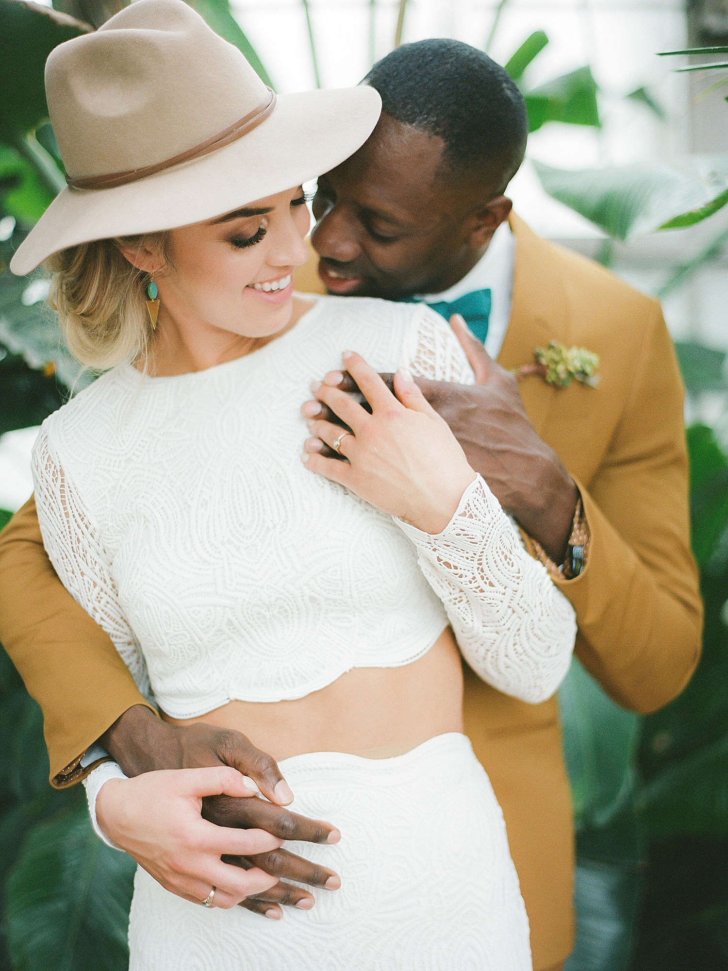 Colorful and Vibrant Wedding Photography at Fairmount Horticultural Center by Magdalena Studios 0047
