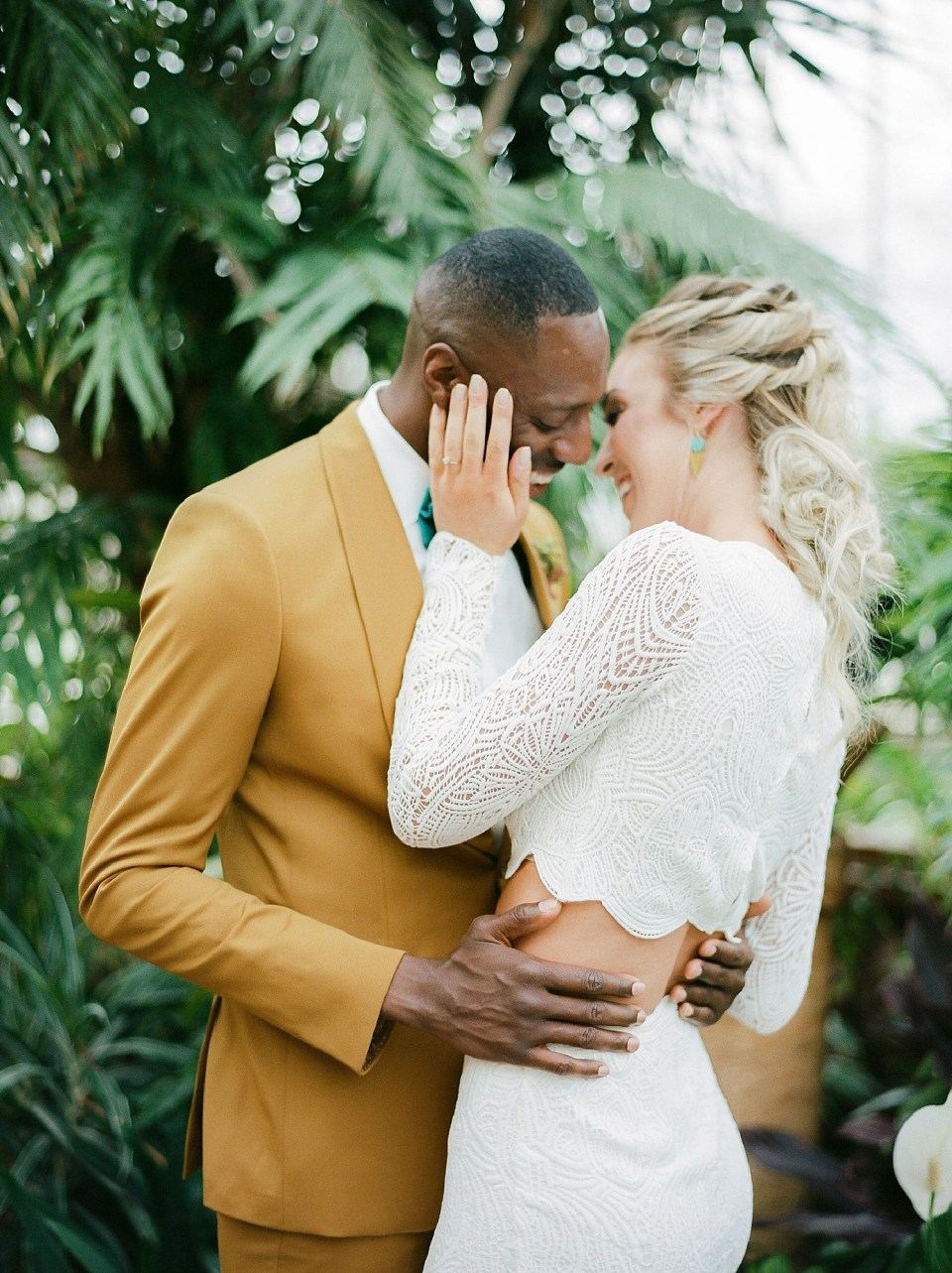 Colorful and Vibrant Wedding Photography at Fairmount Horticultural Center by Magdalena Studios 0049